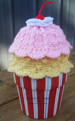 Strawberry and Banana scalloped beanie free crochet pattern