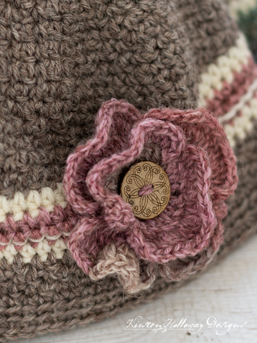 Easy crochet baby hats with optional button flower.