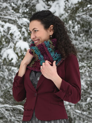 Mulberry lace chunky cowl