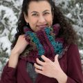Mulberry Lace Cowl, easy, free crochet pattern