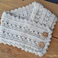 Primrose and Proper easy, free, crochet cowl pattern.