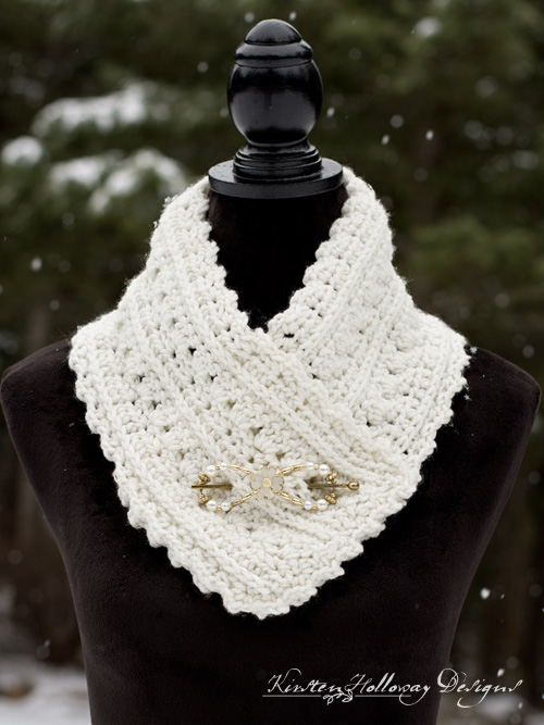 Crochet a beautiful cowl with this easy, free crochet pattern. Decorate it with buttons or a shawl clip to wear.