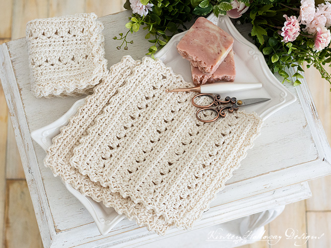 Crochet an easy dishcloth or spa cloth for your mom or yourself with this free pattern.