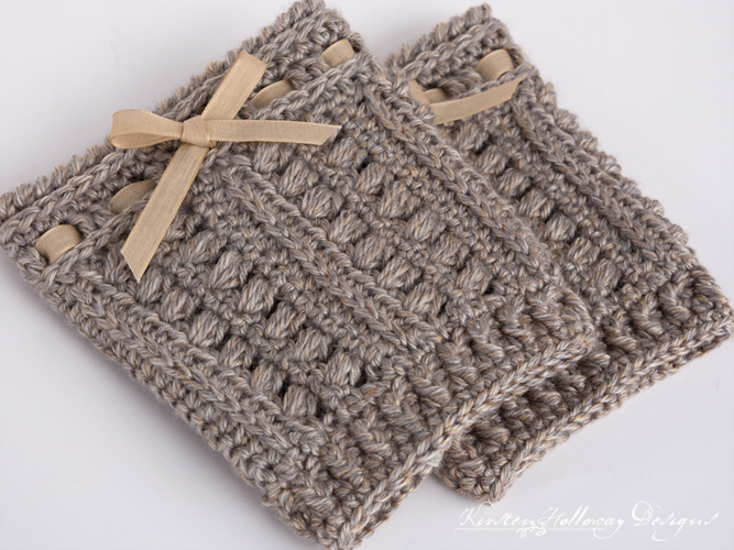 Crochet these rustic, texured boot cuffs to fit you or a family member/friend with this easy, free pattern!
