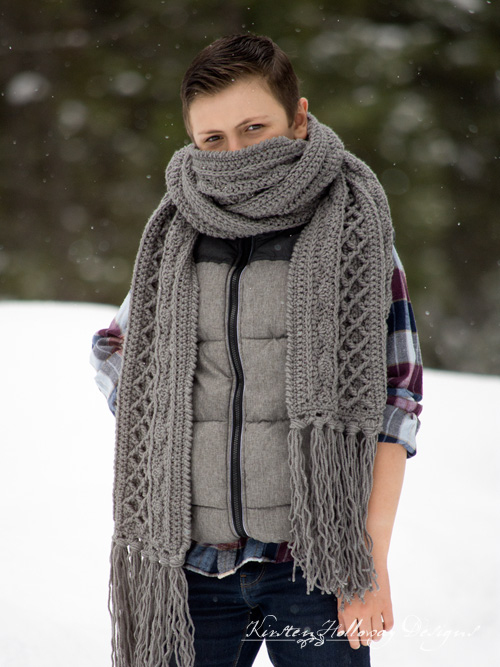 Free crochet pattern. Wrap yourself, your kids or your spouse up in this luxurious super scarf this winter.