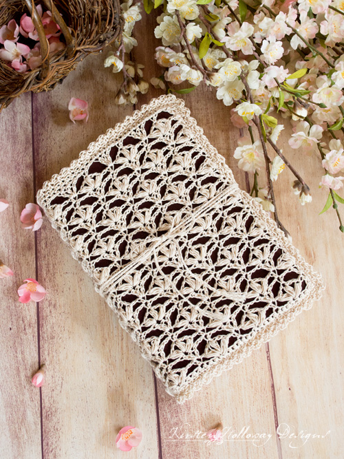 Lace Bible cover crochet pattern pattern for Easter. A beautiful book cover with a vintage feel. Perfect for gift-giving!