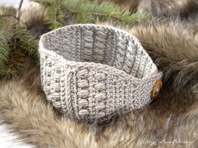 Sugar Maple Crochet Headband Pattern, a quck easy crochet headband project for beginners