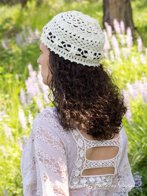 Wildflower Romance lace summer hat: A free crochet pattern for ladies. Crochet a beautiful Boho style beanie or cloche for sun and warm weather.