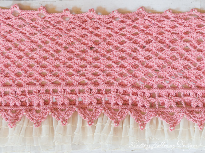 Crochet a beautiful lace wrap with beads for your next special event! A lace ruffle adds to the vintage feel and ups the charm of this free crochet pattern.
