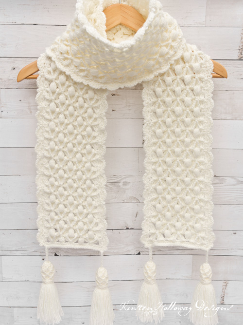 """Snowberries"", a free, luxurious crochet winter Scarf pattern for women."