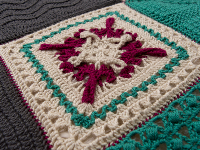 Starlight Square - Designed by CurlyQ Crochet. Planned color changes and twisted loops look like a bright, midnight star.