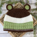 This crochet bear hat pattern has plenty of texture and woodsy colors! It comes in 4 easy-to-make sizes to fit nearly everyone in your family!