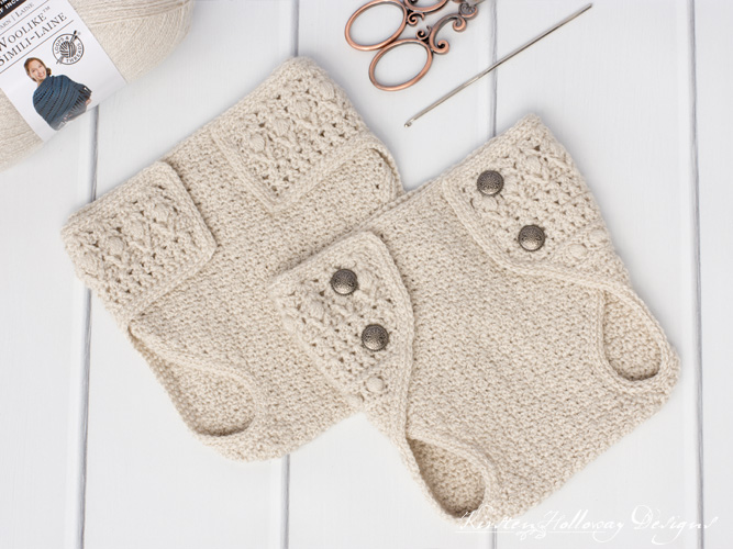 Crochet diaper cover for newborns and 0-3 month old babies, in two styles.