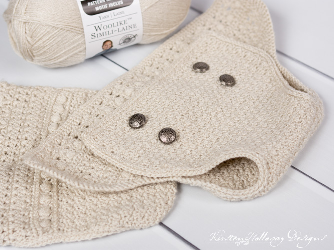 Crochet diaper cover for newborns and 0-3 month old babies, close-up.