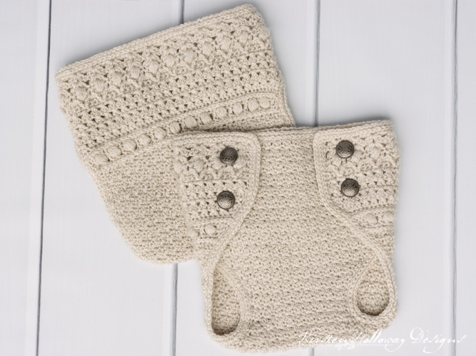 Crochet diaper cover for newborns and 0-3 month old babies, with flaps.