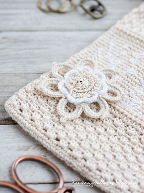 Crochet flower for purse pattern.