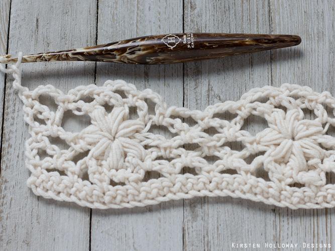 Crochet flower tutorial step 20 - Row 6 - chains.