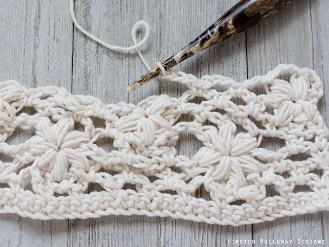 Crochet flower tutorial step 29 - chains
