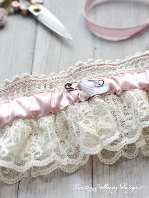 Adding the elastic band to your garter.