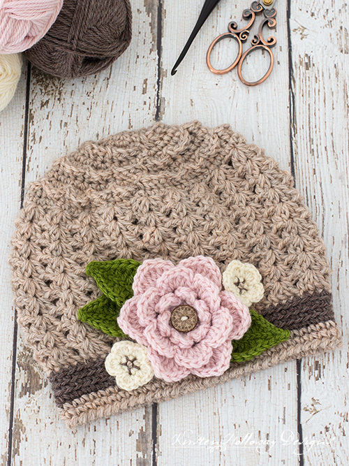 Free crochet slouch hat pattern with flowers for kids.
