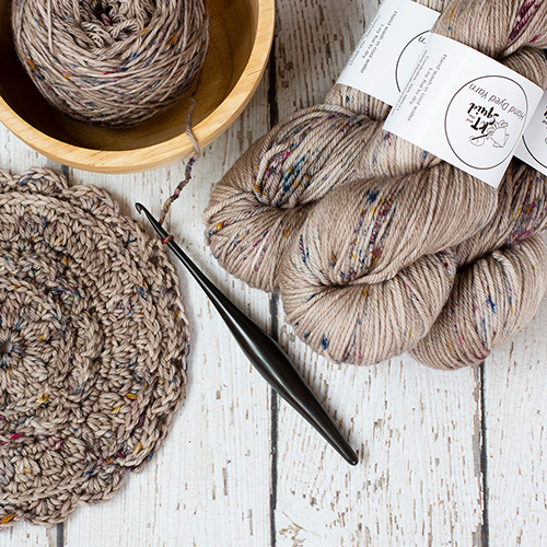 Win some gorgeous hand-dyed yarn from KT & The Squid