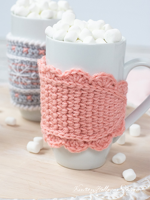 A cute crochet mug cozy with a scalloped edge. This pattern uses the center single crochet stitch to create a knit look.